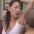 女教師が生徒にワキをなめさせる動画