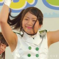 アイドルグループchoco☆milQ(チョコミルク)のまだ毛も生えそろってない初々しいワキの下