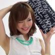 鎌田紘子ちゃんが写真撮影時に見せる修正のかかってない生ワキ!