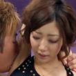 美乳のスレンダーショートカット美女がワキ舐めされて吐息を漏らす