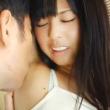 黒髪清楚系美少女がおっさんにねっとりとワキ舐めされて思わず感じて喘ぎ声を出してしまう