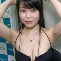青学の露出狂?Hカップグラドルの渋谷ゆりちゃんの生ワキを高画質でおがめるなんて!