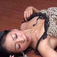 【高画質】超セクシーでフェロモンムンムンなツルワキを見せてくれるレースクイーン三田羽衣ちゃん