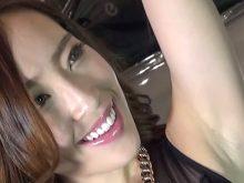 【高画質】自信満々にエロいツルワキを見せつけてくる美人キャンギャル!東京オートサロン2015
