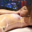 ワキの下にオイルマッサージのオイルをたらされて敏感に反応する美人若妻