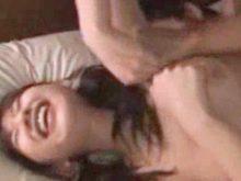 ワキの下に手を這わせただけでめちゃくちゃ敏感に反応する美少女