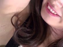 恥ずかしい剃り残しとワキ汗を撮影されてしまった美人キャンギャル 東京オートサロン2015