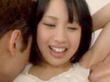 ロリ系美少女が両ワキをワキ舐めされて戸惑う姿がめちゃエロい