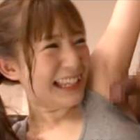トレーニングでワキ汗たっぷりかいて汗染みもできてるワキの下でワキコキする原田明絵