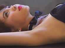【高画質ワキフェチ動画】処理の行き届いた綺麗なツルワキを惜しげも無く披露してくれるレースクイーン森咲智美