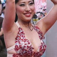 【高画質ワキフェチ動画】ベリーダンスで生々しくワキ汗で蒸れてそうな無修整ワキを見せてくれるセクシーダンサー