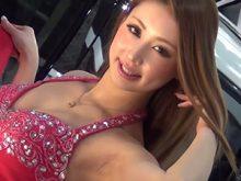 【高画質ワキフェチ動画】ゴージャスな衣装に身を包みクソエロいワキの下を魅せつけるセクシーキャンギャル