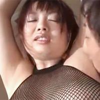ワキ舐めされてエロい喘ぎ声を漏らして感じる驚くほどの爆乳美女