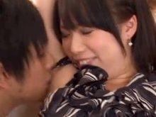 ワキフェチ男優シミケンにワキの匂いを嗅がれてめちゃめちゃ照れる巨乳美女