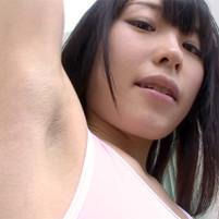 恥ずかしがりながら腕を上げたら見事なジョリワキだった超ロリ顔の貧乳美少女
