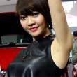 【高画質ワキフェチ動画】自慢気にワキの下を魅せつけるセクシーなキャンギャル 大阪モーターショー2015