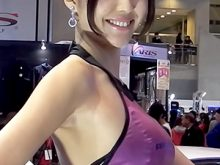【高画質ワキフェチ動画】キレイなお顔に綺麗なツルワキをした最高レベルのキャンギャル