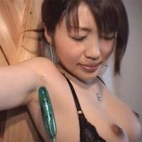 性感帯のワキの下を攻められ気持ち良いのを我慢する伝説の着エロアイドル神藤美香