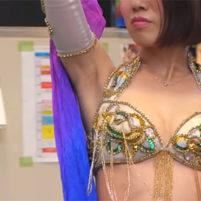 【高画質ワキフェチ動画】ベリーダンスでエロすぎるワキの下を全開にするセクシー美女