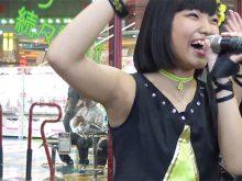【高画質ワキフェチ動画】地道なライブ活動でワキ汗でしっとりしたワキの下を披露してくれるアイドルたち