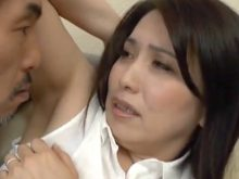 ワキフェチのおっさんにワキの下を見せつけてたら当然のように襲われてワキ舐めされる美熟女