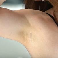 【高画質ワキフェチ動画】ワキの下の毛穴の具合までバッチリわかっちゃうぐらいのドアップワキ動画