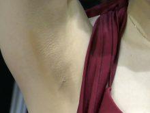 【高画質ワキフェチ動画】可愛い顔してるのに毛穴が目立ちすぎる卑猥なワキの下なセクシーキャンギャル オートメッセ2017