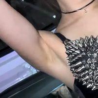 【高画質ワキフェチ動画】東京オートサロン2017でスマートなスジワキを披露するセクシーコンパニオン