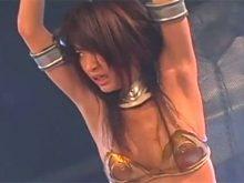 ワキ全開の恥ずかしい格好で拘束されて拷問されるアマゾネスの山口沙紀