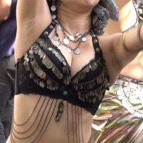 【高画質ワキフェチ動画】ベリーダンスでいやらしいワキの下が丸見えになってしまうお姉様方