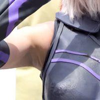 【高画質ワキフェチ動画】ワキ丸見えのエロいコスチュームでワキ見せポーズを取ってくれるセクシーキャンギャル