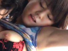 ワキ舐めされたいサイン?乳首を舐めると腕を上げてツルワキを見せつけてくる鳥井美希ちゃん