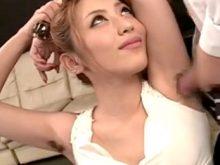 自慢のワキ毛の生えたワキの下でワキコキするエロ痴女な桜井あゆ