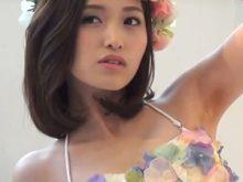 【高画質ワキフェチ動画】きれいな顔してるのにワキの下が青いモデル引地裕美