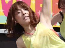 【高画質ワキフェチ動画】ダンスイベントでワキ汗で蒸れたワキの下を全開にして踊る素人ダンサー