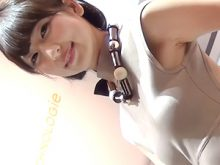 【高画質ワキフェチ動画】卑猥なワキマンコから汗がたれて汗染みのできちゃった東京モーターショウのキャンギャル