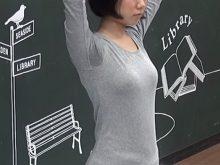 【高画質ワキフェチ動画】緊張でワキ汗をかいたまま撮影されて一般公開されちゃう素人モデル