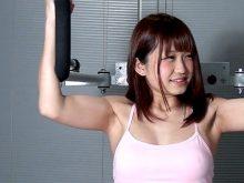 【高画質ワキフェチ動画】トレーニング中の無防備なワキをガッツリ撮られてしまった素人娘