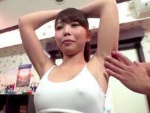 エステで性感帯のワキの下を重点的にマッサージされて乳首が立ってしまう素人美女