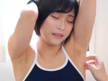 亜紀乃ゆい・くろいれなが競泳水着やスク水のいやらしい格好でワキの下を好き放題くすぐられてしまう